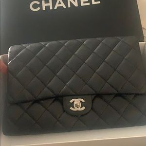 Chanel med clutch caviar leather silver ha…
